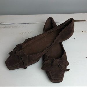Delman Brown Suede Bow Flats Scalloped edges Sz5.5